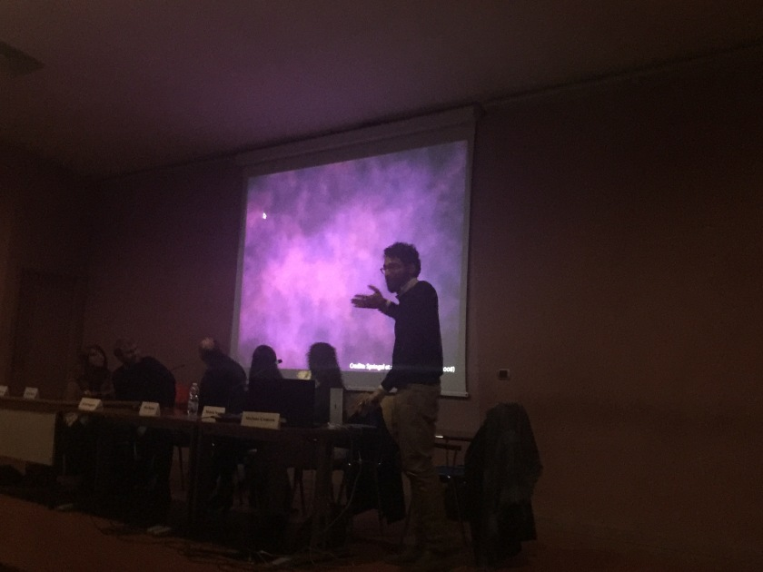 Un momento dell'intervento del Dott. Stefano Camera, Dipartimento di Fisica, Università di Torino